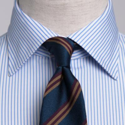 セミワイドカラーのシャツに合うネクタイの結び方を紹介